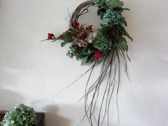お正月リースー紫陽花と赤い実ーの画像