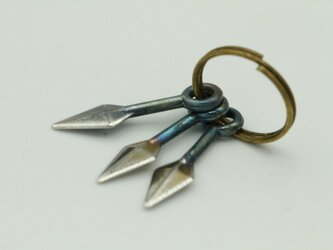 ミニチュア武器クナイ 高級希少金属コバルト フィギュア用金属武器の画像