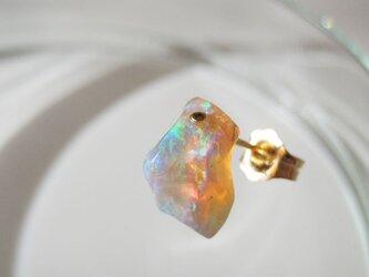 エチオピアンプレシャスオパールの原石ピアス/ethiopia 片耳14kgfの画像