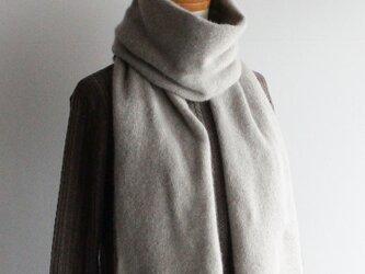 手編み機で編んだカシミアセーブル細巾ストール モカベージュの画像