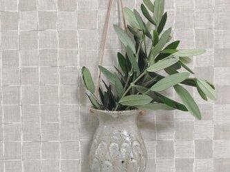 粉ひきのハング花器の画像