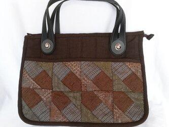 ☆サマーセール☆ 大島紬のパッチワークの手提げバッグ(持ち手 黒)の画像
