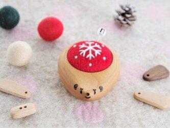 ハリネズミの羊毛ピンクッション 【針山】snow crystal Redの画像