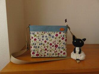 リバティ ミラベルとバイオウオッシュ加工帆布のショルダーバッグの画像