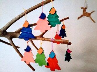 プニプニの革トリヨンのツリーとネコの画像