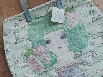 うさぎ柄女の子バッグの画像