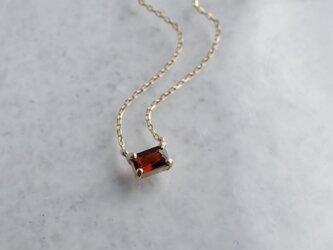 Garnet baguette necklace [P086K10YG(GA)]の画像