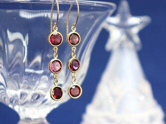 ロードライトガーネットベゼルのピアス~Rhodolite Garnet bezel setting Earringsの画像