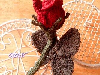 薔薇のコサージュ 〜あした咲くつぼみ・深紅の画像
