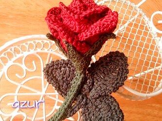 薔薇のコサージュ 〜咲き初めの花・深紅の画像