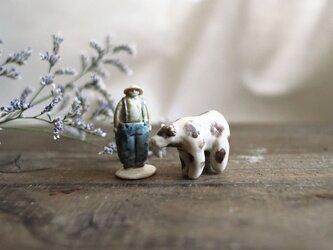 うしと牛飼いおじさんのフェーブ no.2の画像