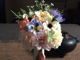 仏花   真珠の涙  優   (仏花、造花、お供え、お盆、お彼岸、敬老の日)の画像
