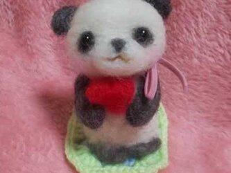羊毛フェルトハンドメイドパンダちゃんの画像