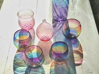 ますず様ご予約品☆虹色のまんまるグラス、ブルーパープルの花器とグラスなどの画像
