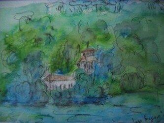 湖畔のハウスの画像