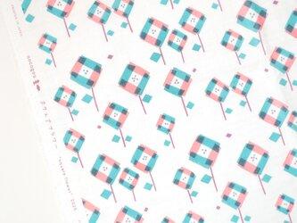綿ダブルガーゼ「スクエアフラワー」ピンク /50cmにつきの画像