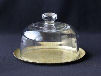鎚目模様の真鍮トレイとガラスドーム(試作一点)の画像