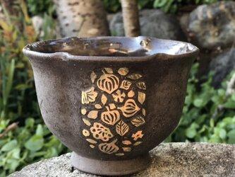 掻き落とし輪花鉢ⅳ ー ホオズキの画像