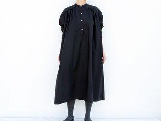 ヨークスタンドワンピース(ブラック)ー高密度cottonーの画像