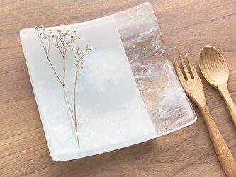 「層雲」 白色とマーブルの四角いお皿 ガラス皿 食器 ガラス工芸 プレート 白い皿 ギフトの画像