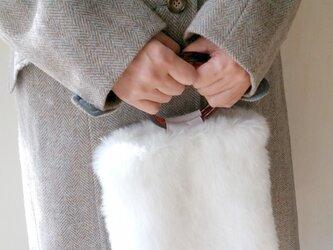 お年玉つき 白うさぎのエコファー手提げの画像