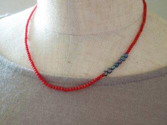 赤珊瑚のプチネックレスの画像