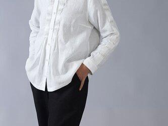 【wafu】【Mサイズ】やや薄地リネン 波ピンタック  長袖シャツ 40番手/ホワイトt013b-wht1-mの画像
