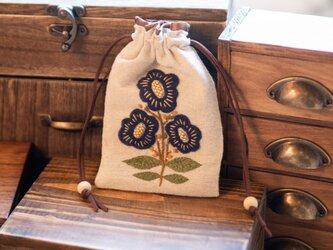 shimontowasamo/blue flowers 刺繍ポーチ【受注制作】の画像