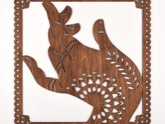 ビッグウッドフレーム「菩薩の手」(木の壁飾り)の画像