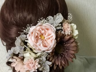 イングリッシュローズとガーベラのベーシック髪飾りの画像