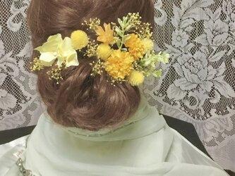 アーティシャル アジサイとプリザかすみ草の髪飾りの画像