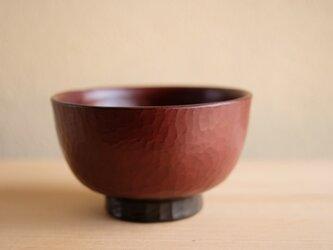 栃・手削り汁椀 赤 12cmの画像
