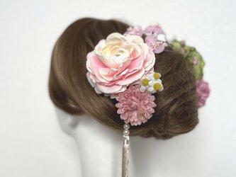成人式 卒業袴 和装髪飾り♡ラナンキュラスと梅の髪飾り (Uピン9本セット) 着物髪飾りの画像