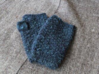 手紡ぎ・手編み カシミヤハンドウォーマー 紺色の画像