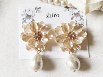春待ち桜色 フラワーカボションとコットンパールのイヤリング 結婚式 フォーマル 成人式 卒業式 入学式の画像