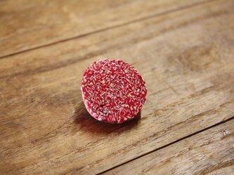 紙束のイヤリング 楕円 赤 1個の画像