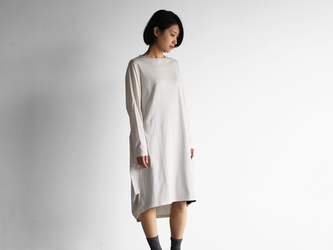 [HUIS in house]SUVIN COTTON長袖コクーンワンピース(ivory)【レディス】の画像