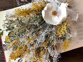 星月猫★「ミモザとカスミ草、ココフラワーのスワッグ」ドライフラワー 花束の画像