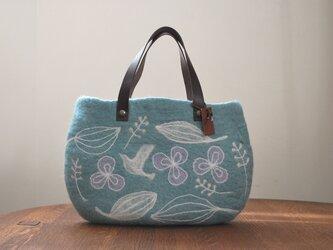 羊毛フェルトバッグ/花と鳥(浅葱色)の画像