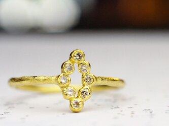 ダイヤシェイプのシャンパンリングの画像