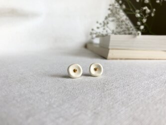 小さなお花のピアス/14kgfの画像