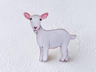 ヤギのブローチの画像