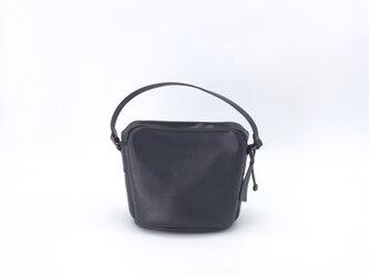 バケツ型ダブルファスナー付きお出かけバッグS(イタリアンレザー リベルソ クロ)の画像