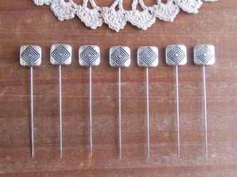シルバーメタルビーズの待ち針 7本セット  スクエアの画像