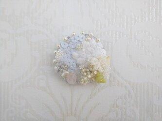 #14  刺繍ブローチ 雪の月の画像