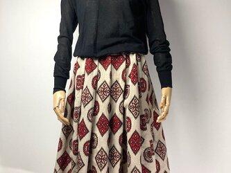 【着物リメイク】タック&ギャザースカート/ベージュ地に赤黒サーモンピンク抽象柄の画像