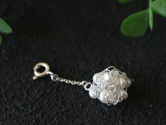 [silver999]純銀クロッシェ 金平糖マスクチャーム(淡水パール:白)の画像