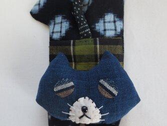 古布リメイク くったり猫ぷーちゃん ハンドメイド  久留米絣 藍染 猫小物の画像