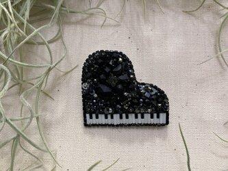 ブラックピアノの画像