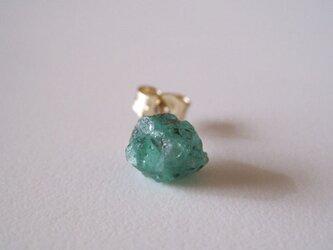 エメラルドの原石ピアス /columbia 14kgf 片耳の画像